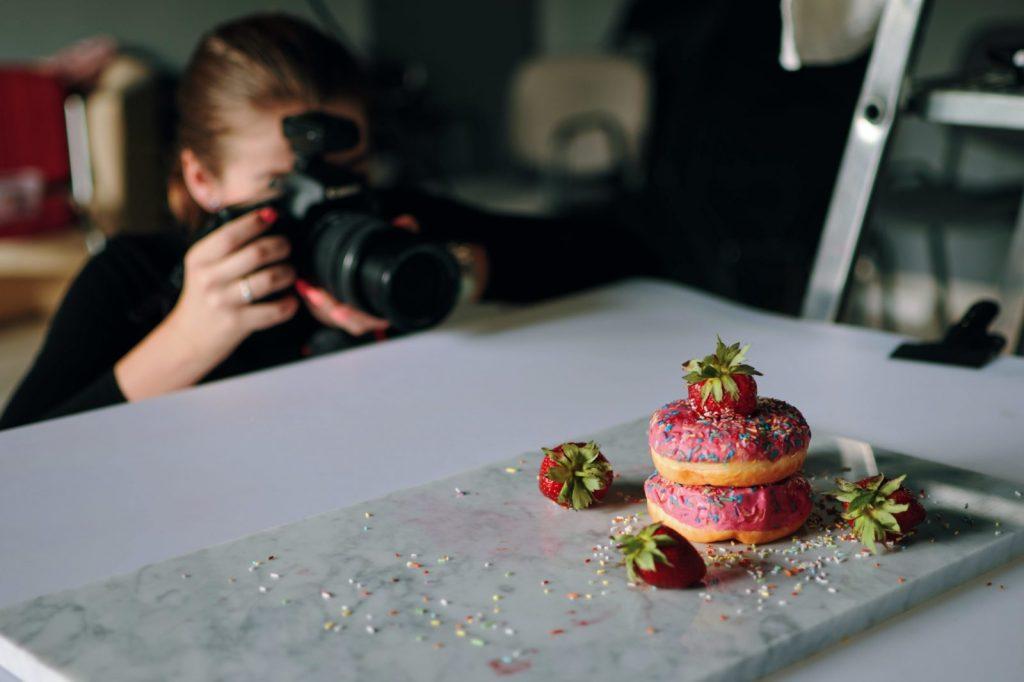 Purpose of hiring a food photographer